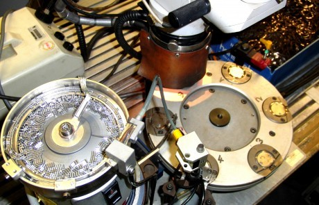 Automatische Montage und Laserschweißen von Federringen für Badarmaturen
