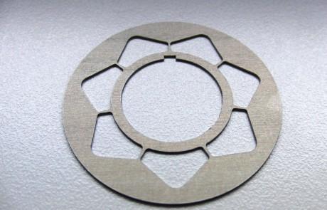Laserschneiden Lochscheibe aus Federstahl 1.4310