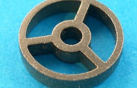 Laserschneiden Scheibe aus Titan Grade 1 mit Schneidgas Argon